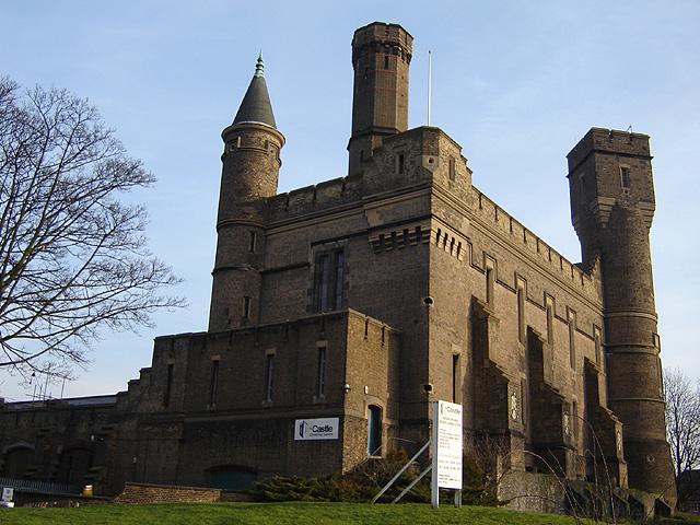 Stoke_newington_castle_1