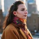 Умна слушалка превежда в ухото ни при разговор с чужденец