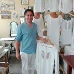 След 11 години в емигрантство 42-годишният Валентин Калайджиев пусна собствена марка дрехи