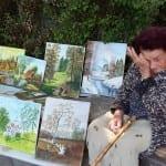 Живот или мизерия? 92 годишна баба рисува и продава картините за да оцелее