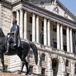 Английската централна банка сваля лихвите след Brexit