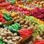 """Дойче Веле: Защо и през лятото в България се хранят с вносна """"пластмаса""""?"""