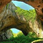 Деветашката пещера – домът на прилепите
