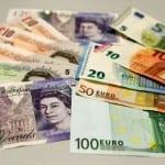 Паундът падна до под 1 евро