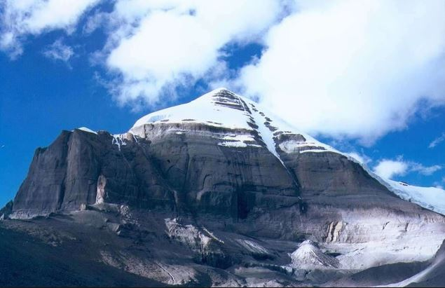 peak-kailash-in-tibet