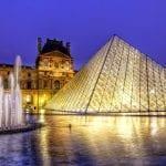 Българка впечатли с техно стил в Лувъра