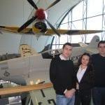 Българи в Лондон стартират платформа за покупко-продажба на самолетни билети и почивки