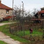 Дават къщи на село без наем