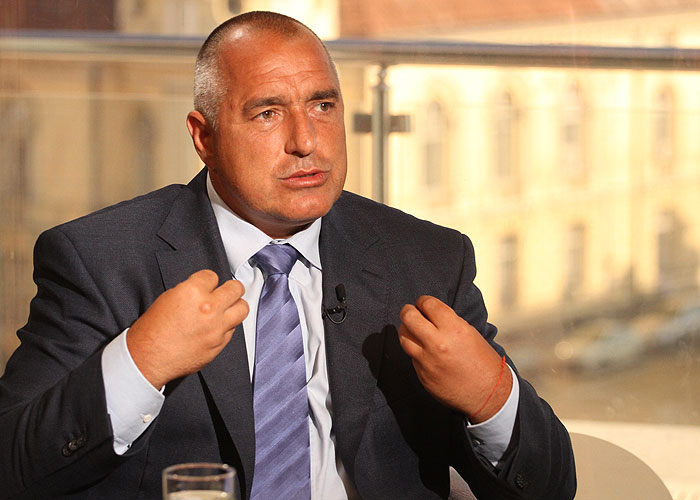 Борисов: Българинът се оплаква, че е беден, ама има жилище и кола