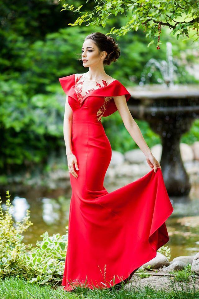 Елина Крушева е най-красивата абитуриентка 2016 (СНИМКИ)