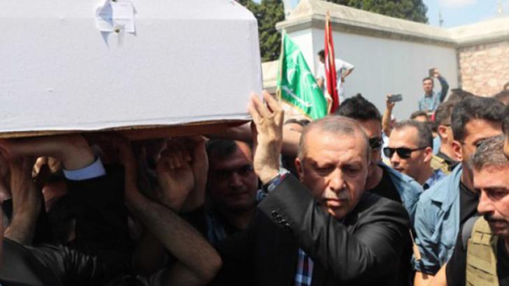 """Ердоган: Ще унищожим метежния """"вирус"""" в държавата"""