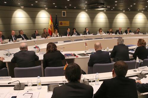 Нова програма за помощ на трайно безработните в Испания