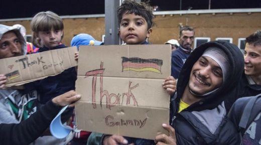 Вижте колко получава като помощ сириец с 4 жени и 23 деца в Германия