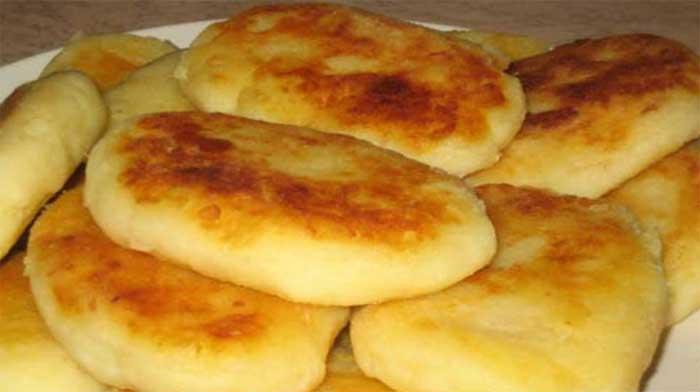 Татко ми донесе цял чувал картофи от село – е, вече го преполовихме. През ден вечеряме това – никога не омръзва и е бързо: