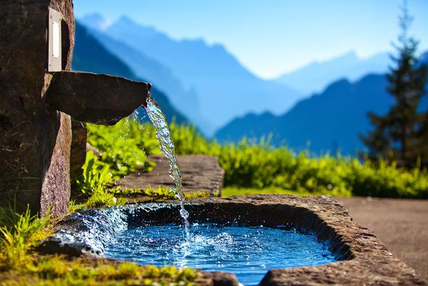 """Минерална вода """"Михалково"""" – единствената българска естествено газирана вода"""