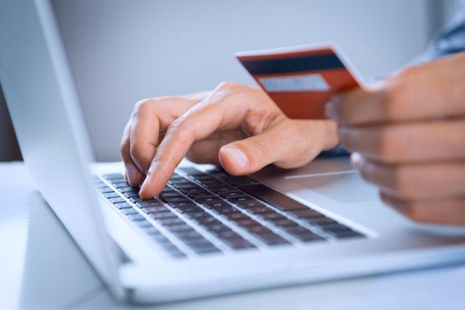 МНОГО ЦЕННИ СЪВЕТИ! Как да се предпазим от източване при плащане с карта