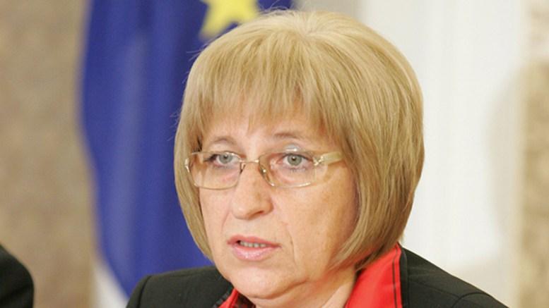 """Цецка Цачева взриви парламента: """"Обикновените българи не могат да се сравняват с депутатите!"""""""