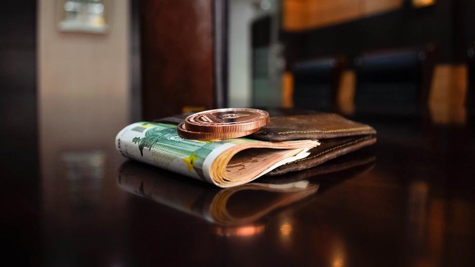 Къде в държавите от ЕС е най-висока минималната заплата