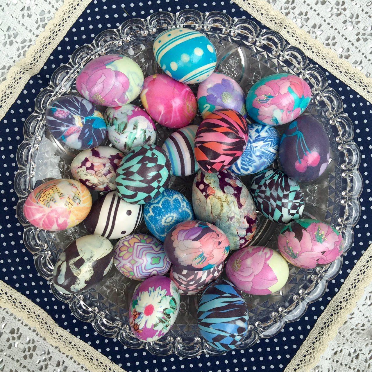 Боядисване на яйца за Великден с коприна