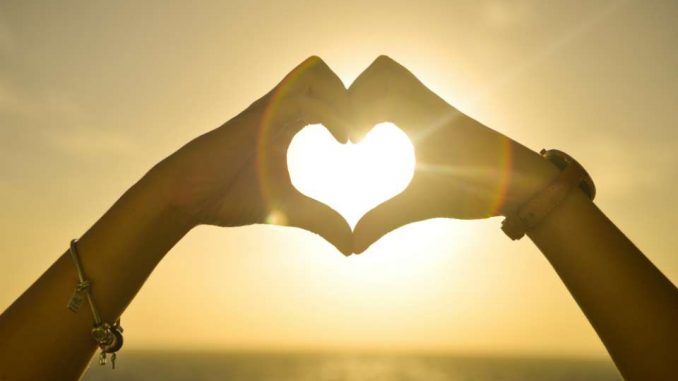 Истинската, голямата и завладяваща любов ще дойде като гръм от ясно небе за 2 зодии до края на годината