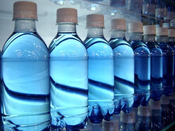 Тези 8 марки минерална вода не са безопасни и могат да ни отровят при честа употреба!