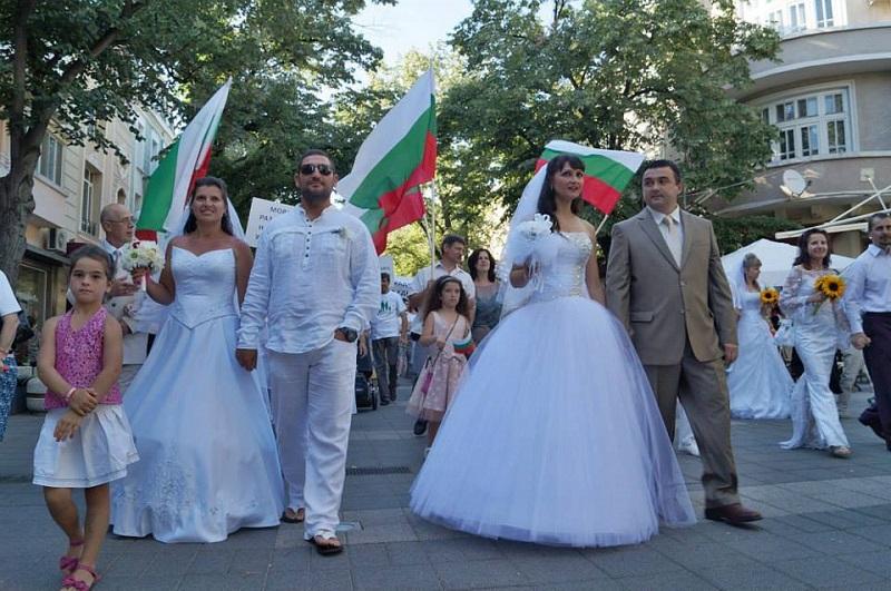 Бургас отговори на гей-парада в София (ВИДЕО)