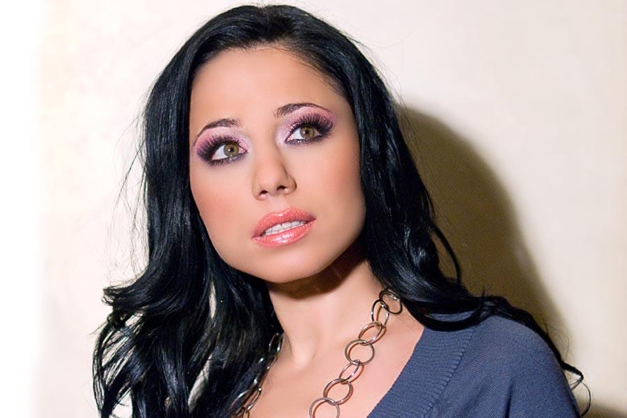 """Помните ли фолк певицата Ина с хита си """"Зелено""""? Ето какво се случи с нея, как изглежда сега и защо изчезна така (снимки)"""