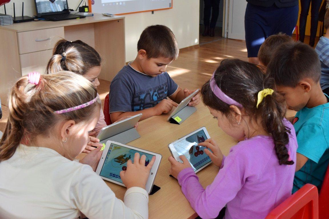 Община Бургас осигури още 405 таблета за ранно компютърно обучение в детските градини