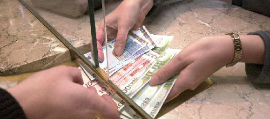 Споделяйте да се знае! Българите в чужбина пращат у нас по 2.5 млн. евро на ден