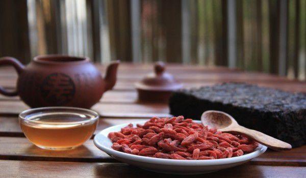 Българско семейство произвежда единствения в света оцет от годжи бери