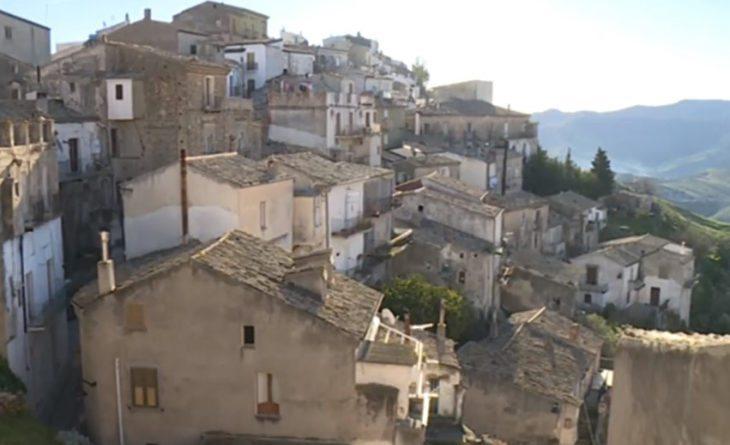 Може да се сдобиете с безплатна къща в Италия! За да живеете в слънчева Калабрия само трябва да… (ВИДЕО)
