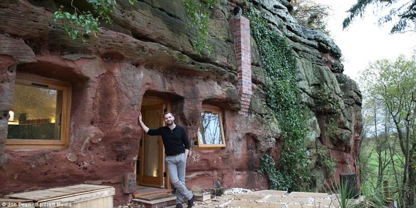Той си купи пещера на 250 млн. години за 60000 паунда и избра да живее там – вижте какъв дом си е направил (снимки)