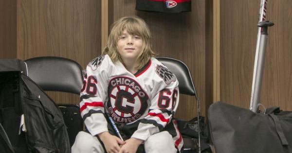 9-годишно българче откри мач на Националната хокейна лига на САЩ