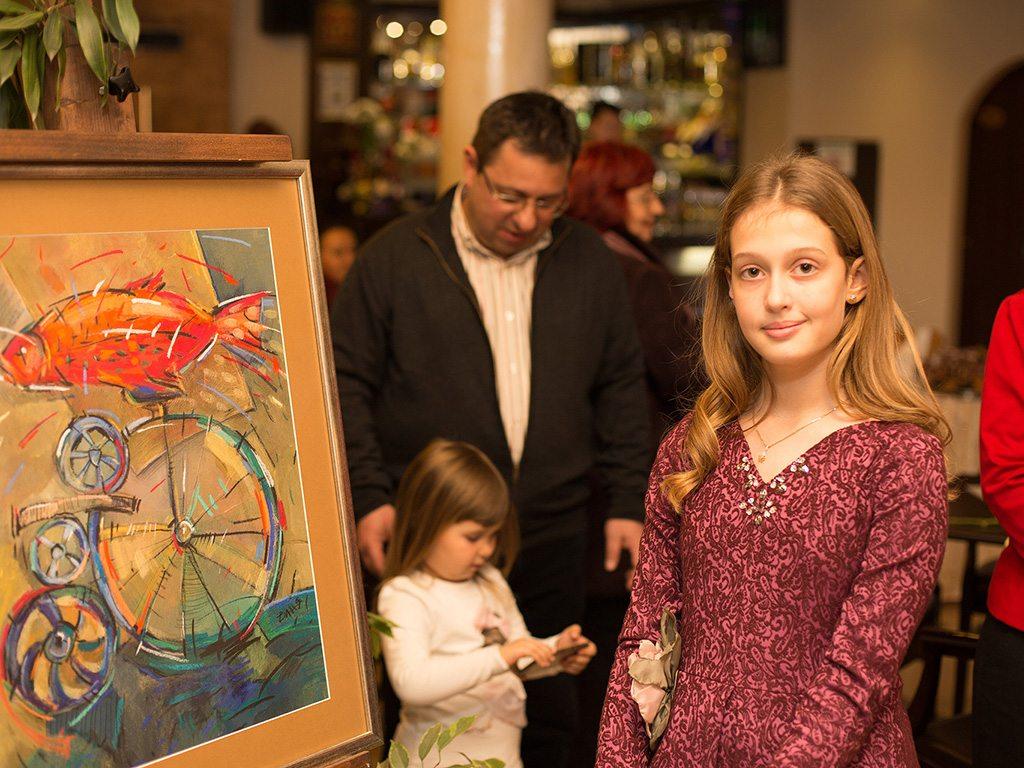 12-годишна пловдивска художничка открива изложба в Лондон