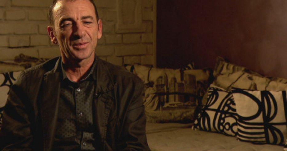 Невероятната история на наш актьор, който излиза от затвора, бяга в САЩ и покорява Холивуд