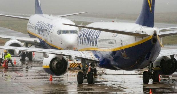 Ryanair ръчният куфар ще е безплатно в кабината още един месец
